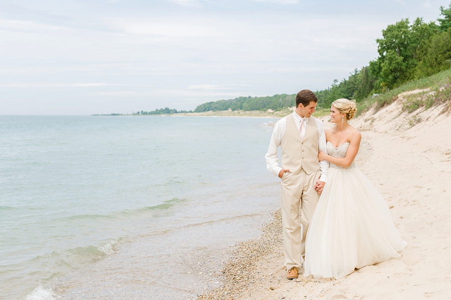 Northern_Michigan_Wedding_Photographer_2052