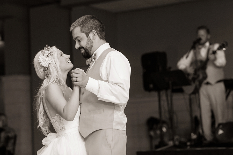 Michigan_Wedding_Photographer_2331